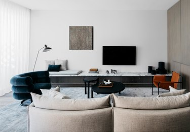 mix and match furniture in contemporary living room