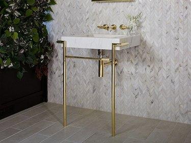 console bathroom sink