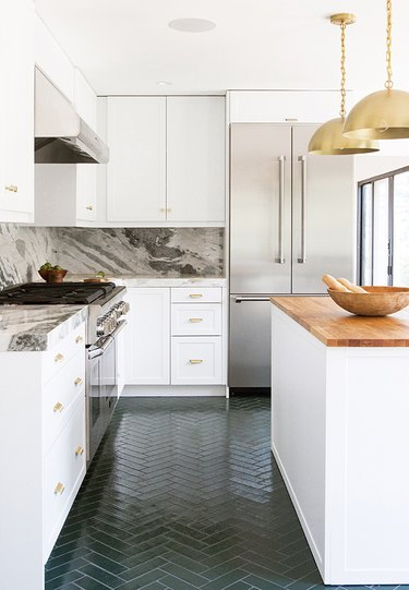 small kitchen decorating ideas with Slab countertop