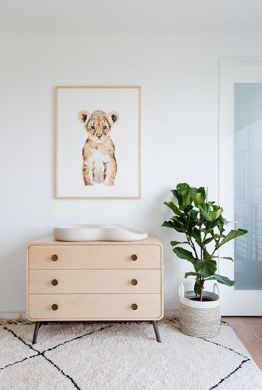 modern nursery idea with minimal furniture