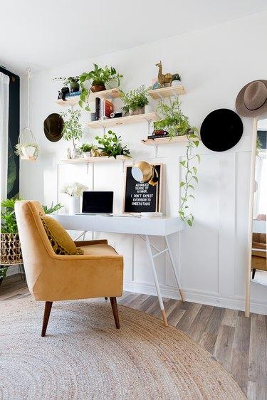 bohemian bedroom idea with DIY decor in bedroom