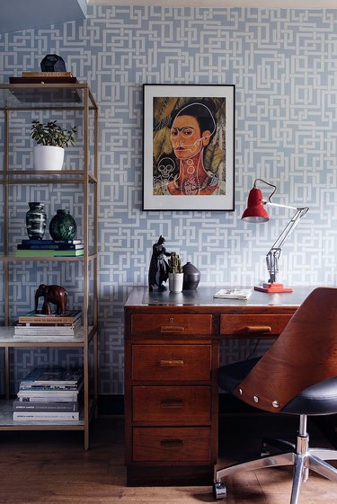 Interlocked squares midcentury modern wallpaper in office