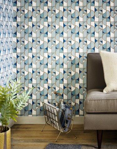 Blue and white midcentury modern wallpaper in living room