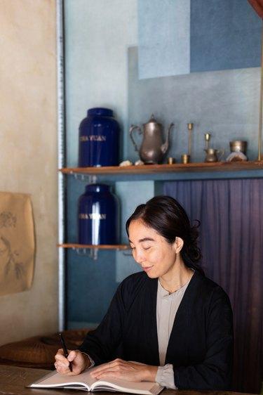 Kana Shimizu
