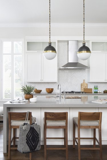 Gray counters in neutral kitchen