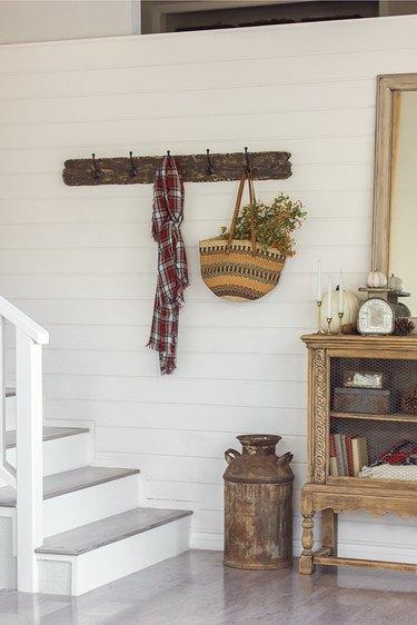 farmhouse wall idea