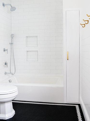 Black floor with white border