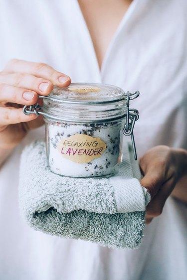 How to make DIY bath salts