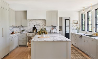 paint color idea for gray kitchen with marble countertop