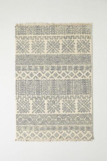 farmhouse geometric patterned rug