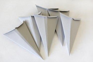 Paper pieces to make Scandinavian Christmas star