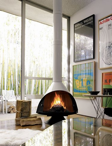 10 Midcentury Fireplaces That Are Heating Things Up