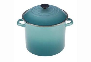 le creuset blue pot