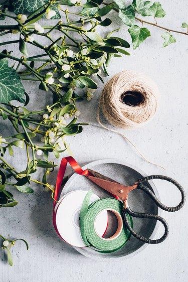 Supplies for making mistletoe