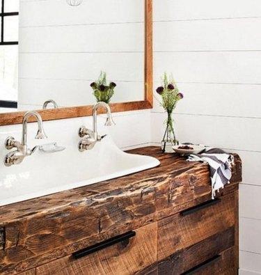 A sink area where farmhouse dreams are made.