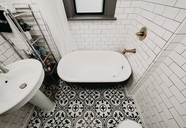 traditional pattern, black and white, floor tile, bathroom