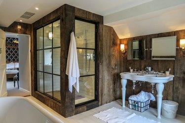 Farmhouse Shower Ideas McIntosh