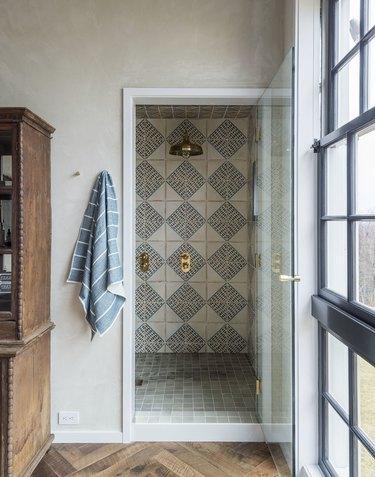 patterned tile shower ceiling