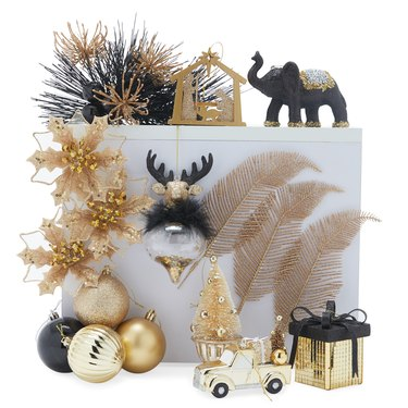 black and gold posh Christmas tree ornament set