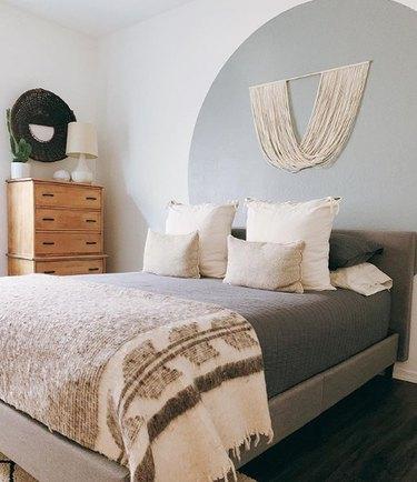 farmhouse bedding idea with wool Grey Blanket from Winnoby
