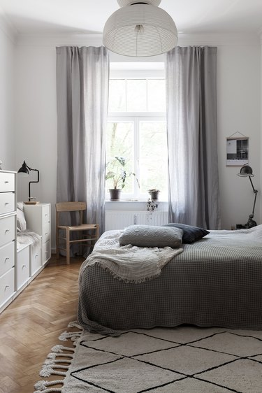 modern chic bedroom with Scandinavian inspiration