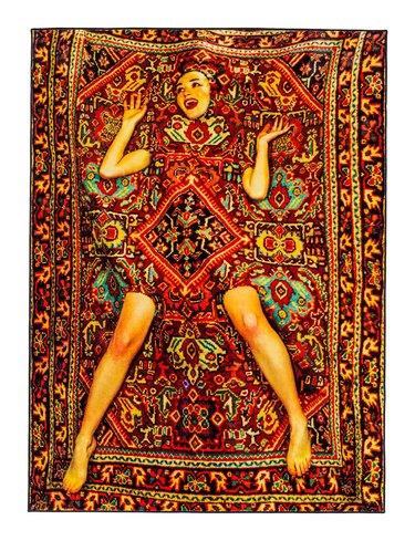 seletti lady in rug