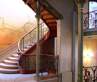 hôtel tassel interior showing a staircase