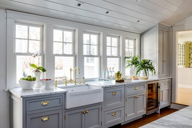 transitional kitchen ideas with blue cabinets
