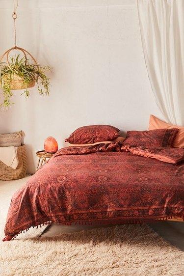 red bedroom ideas