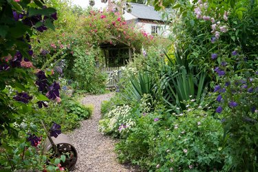 Tips for Designing an English Cottage Garden