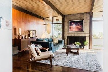 post-and-beam midcentury modern living room