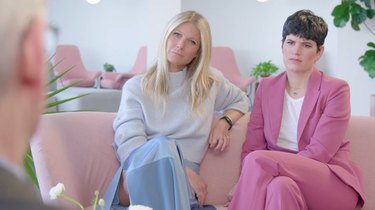 gwyneth paltrow and elise loehnen on pink sofa
