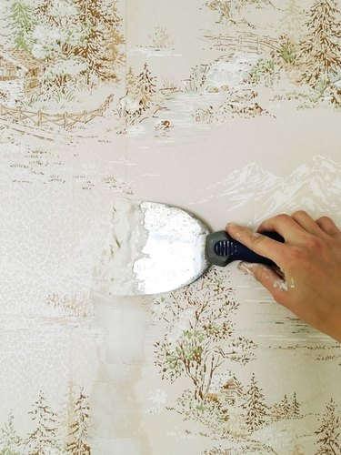 Painting over old wallpaper