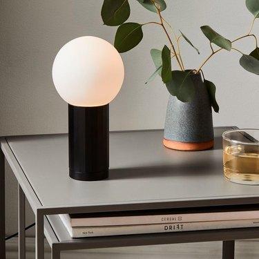 hay table lamp