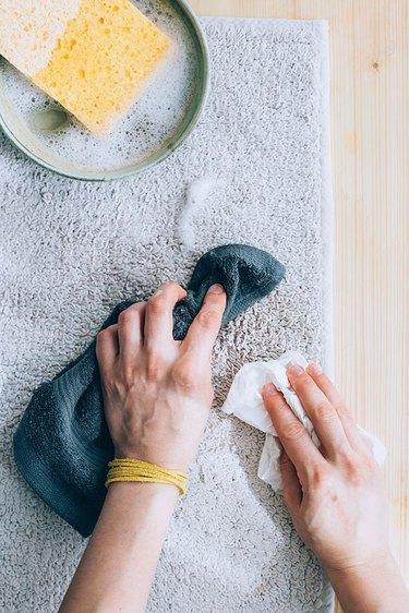 Carpet cleaner using baking soda
