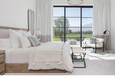 all-white cozy bedroom ideas