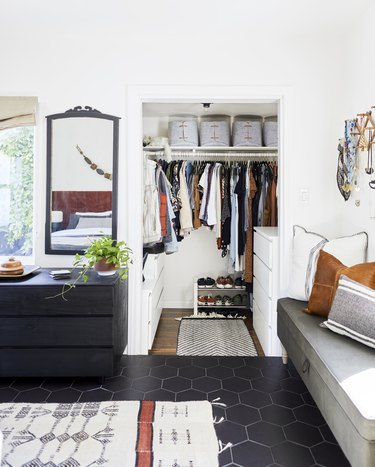 Here's How The Container Store's Pro Stylists Would Organize Your Closet