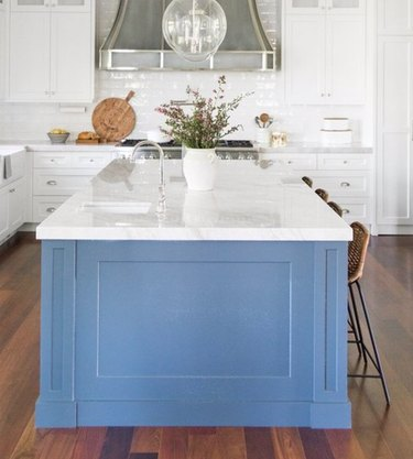 minimalist kitchen sink in blue island with clear pendant light