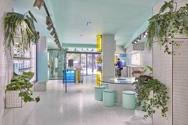 Photo by Luis Beltran, interior designed by Masquespacio