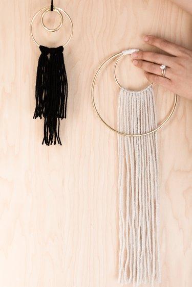 DIY minimalist wreath wall hangings