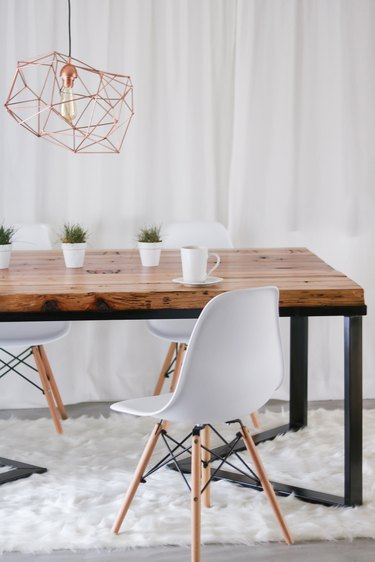 DIY minimalist dining table in metal and reclaimed wood