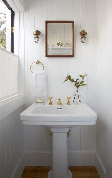 small bathroom white paint ideas