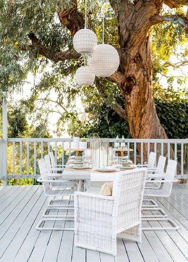 minimalist balcony idea in all white
