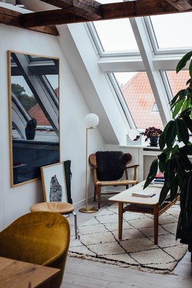 Modern living room lighting idea