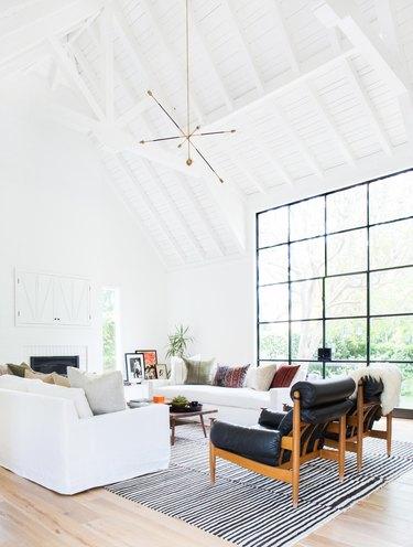 White living room lighting idea