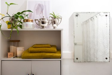 bathroom storage with towels