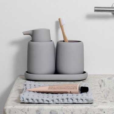 minimalist silicone soap pump