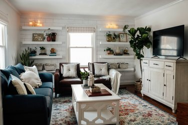 small family room ideas with open shelving and white coffee table
