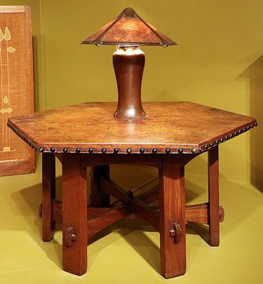 gustav stickley table with lamp