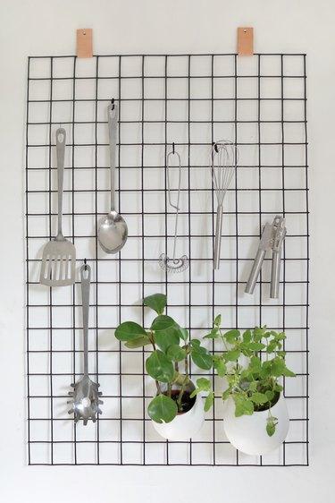 DIY Wire Kitchen Organizers